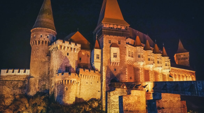 Opera Nights at Corvin Castle (Transylvania) | Musical nights under the moonlight